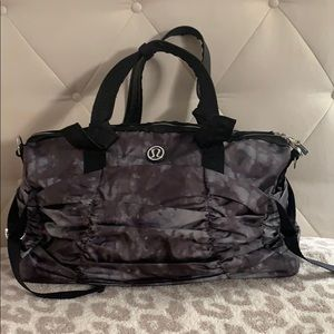 Lululemon Destined for Greatness Duffel Camo -RARE